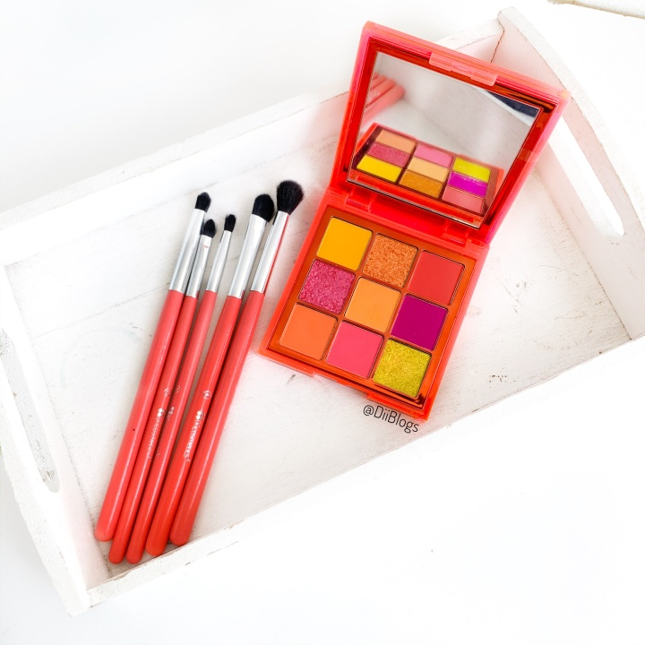 My Thoughts on Huda Beauty's Neon Obsessions Orange EyeshadowPalette